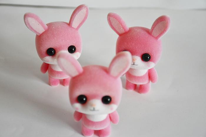 塑胶植绒鲜粉萌兔